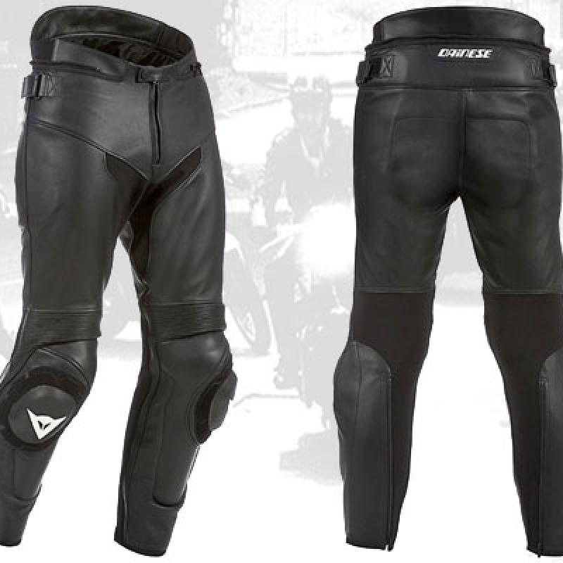 pantalon-negro-cuero